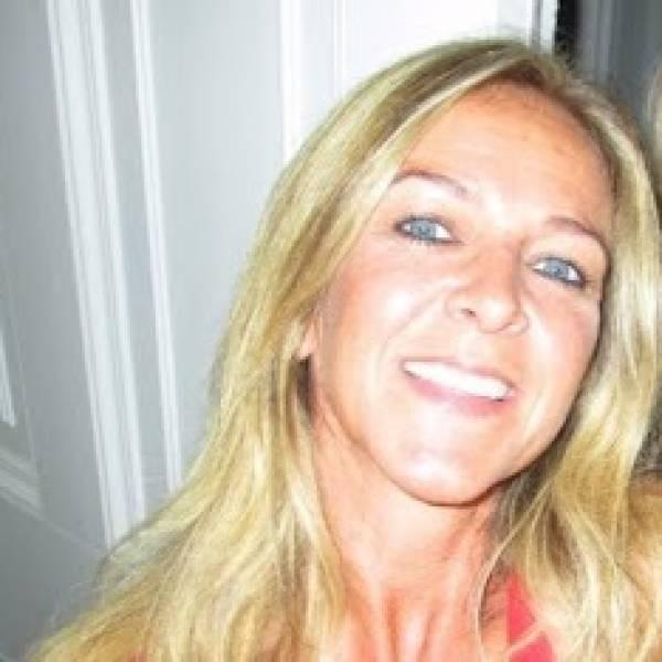 Profile image for Julie   Ponting